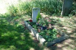 Common-Vic-Cem-war-grave-1