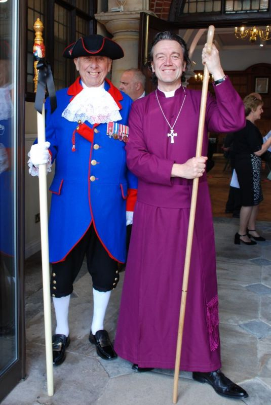 town-crier-and-bishop-of-ramsbury